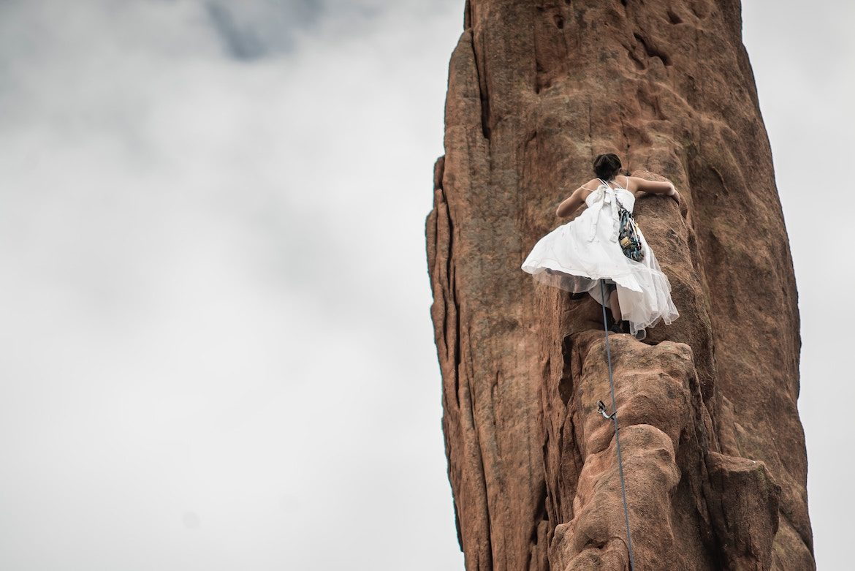 lady-climbing-rock