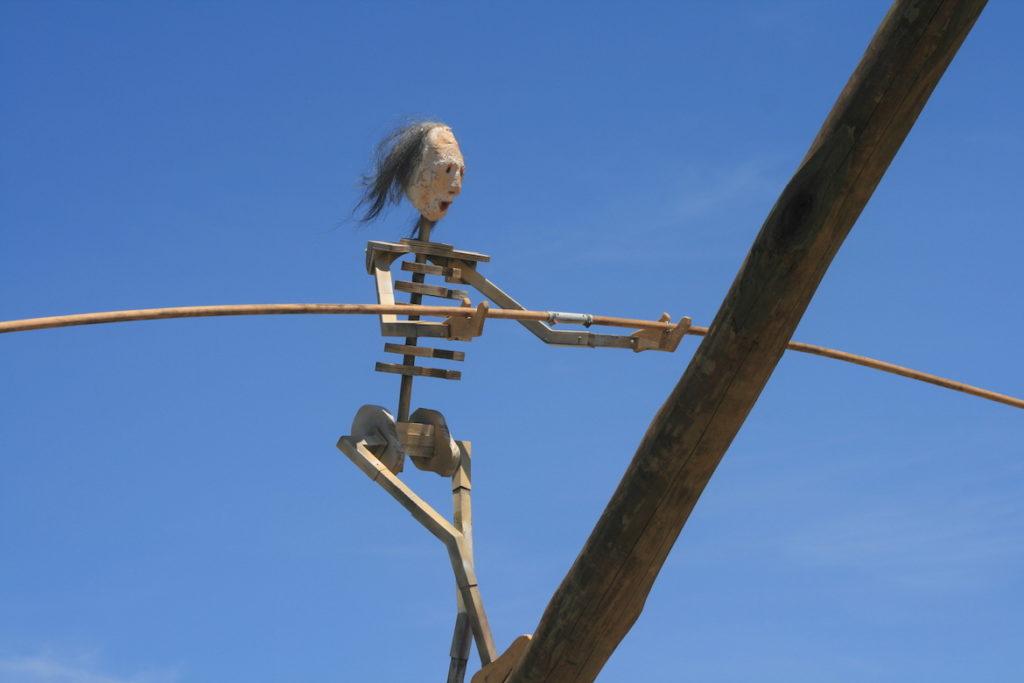 lady-death-tightrope