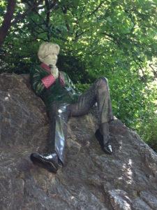 statue-oscar-wilde