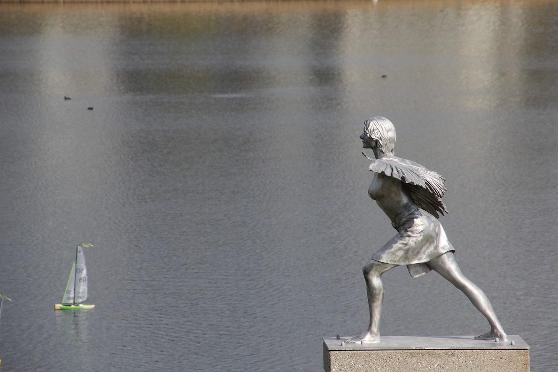 sculpture-angel-lake