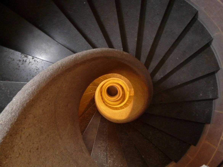 stairs-rising