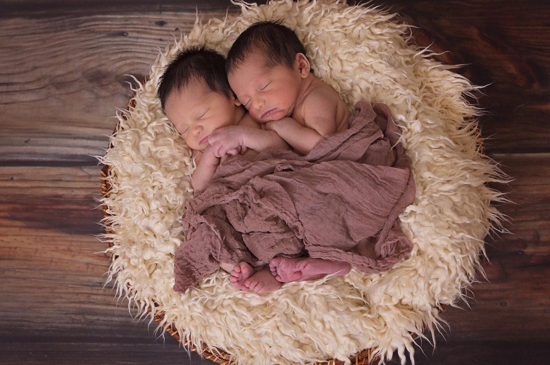 newborn-twin-boys
