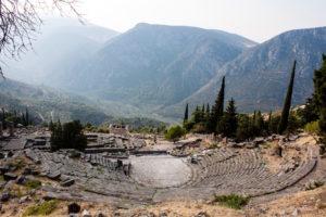 mountains-theatre-delphi
