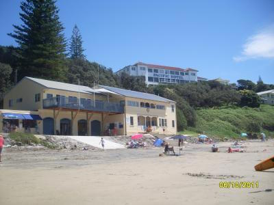 yamba-beach-hotel-on-cliffs