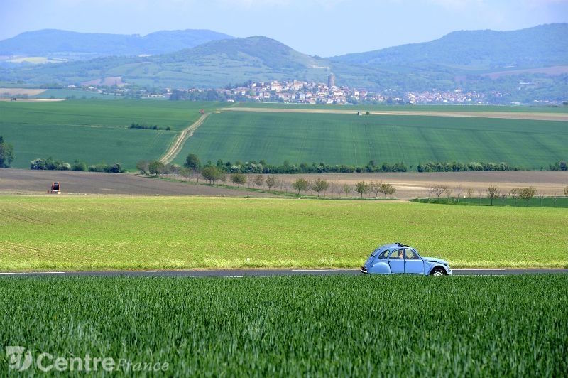 french-countryside-2cv