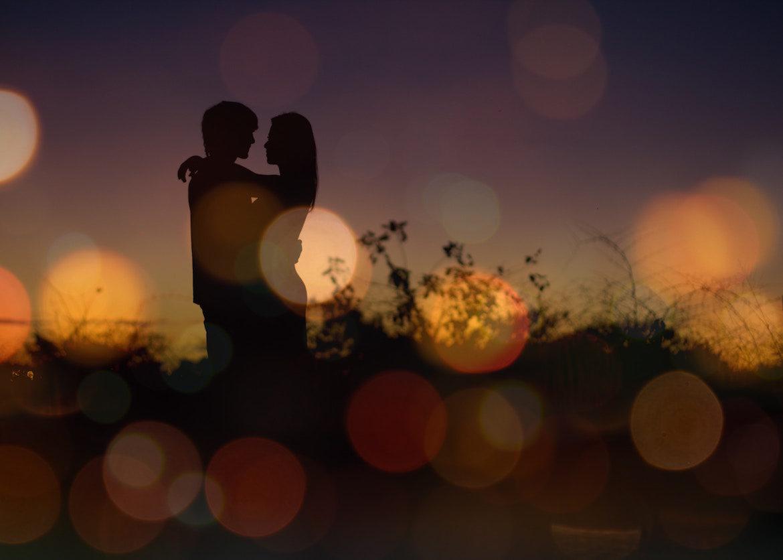 romantic-photo-of-couple