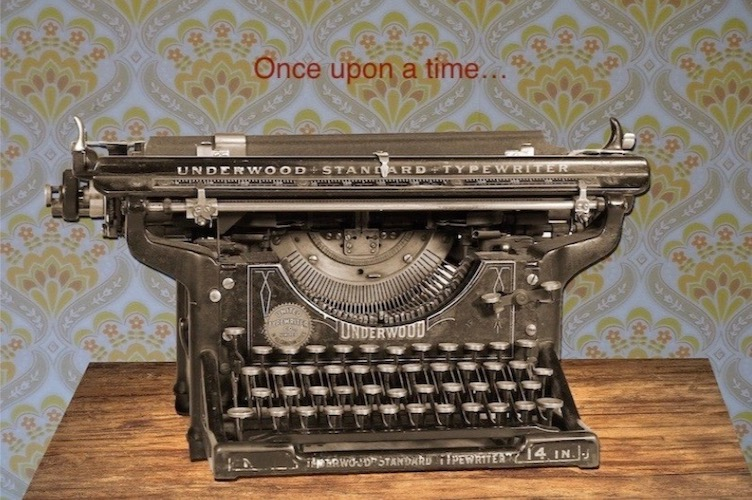 ancient-typewrite